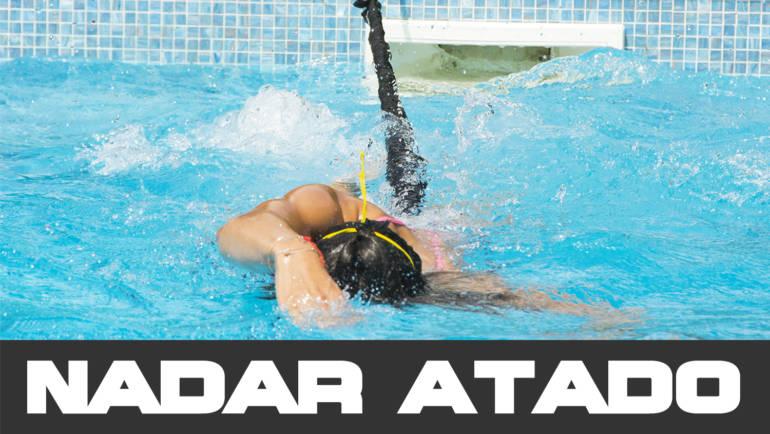 Diferencias entre nadar atado o nadar libre
